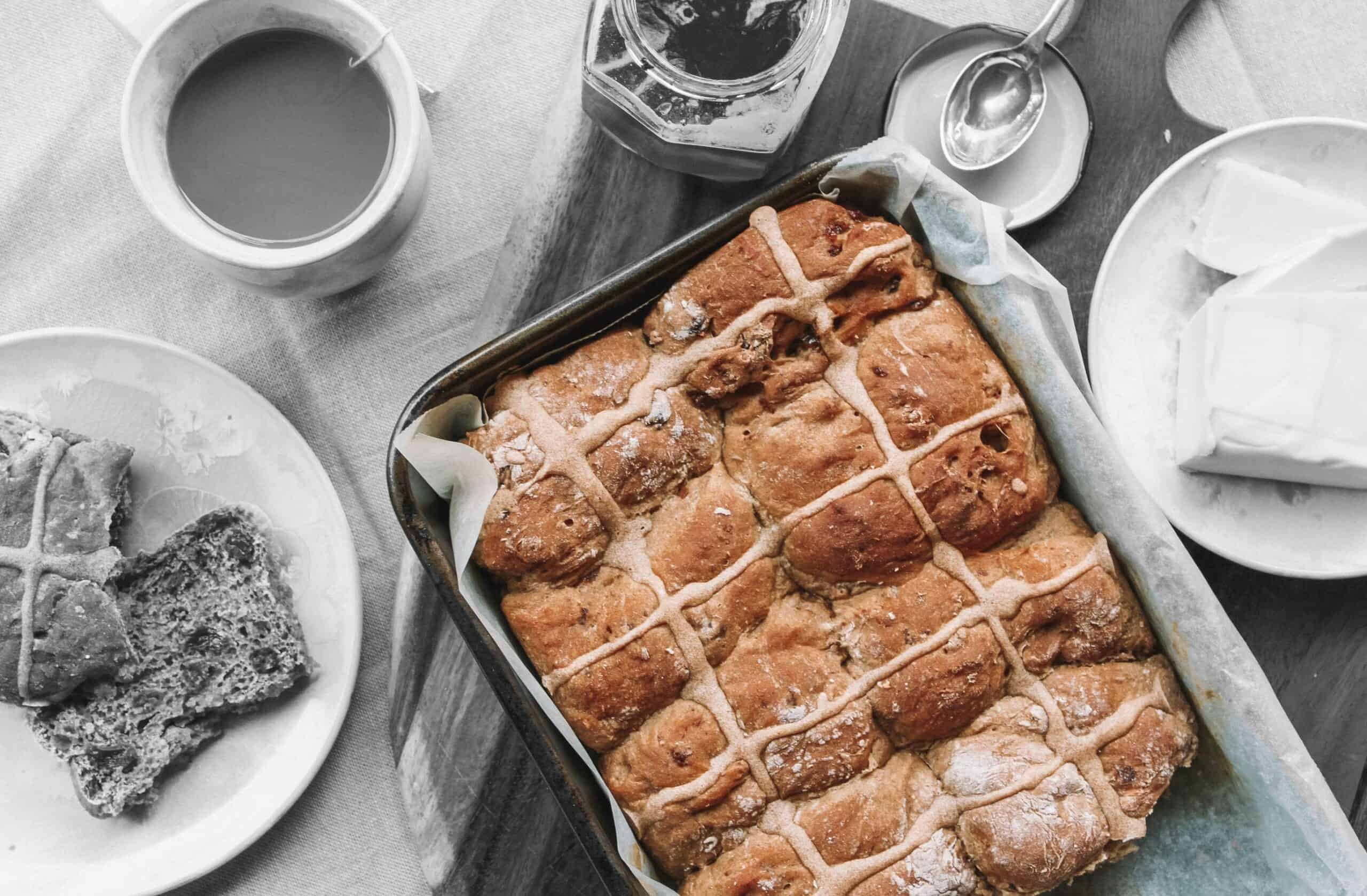 Discover an Easter favourite with our gut-friendly hot cross buns