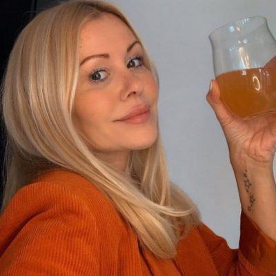 The Summer Mama, a social media influencer advocating the ProVen Probiotics brand